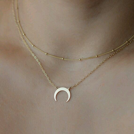 collier lune inversé